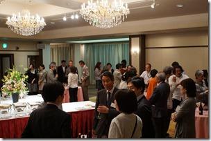 日本ガラス工芸学会創立40周年記念祝賀会 歓談中 3