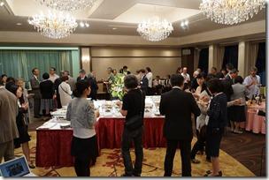 日本ガラス工芸学会創立40周年記念祝賀会 歓談中 4